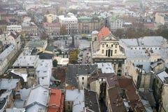 Flyg- sikt av Lviv, Ukraina arkivfoto