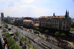 Flyg- sikt av mållinjen av den Belgrade maraton Arkivfoton