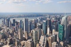 Flyg- sikt av Manhattan från Empire State Building i New York Arkivbilder