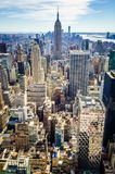 Flyg- sikt av Manhattan och Empire State Building royaltyfria foton