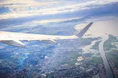 Flyg- sikt av Manila område som sett från flygplanet arkivbilder
