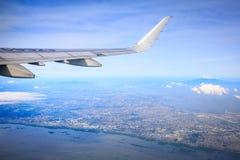 Flyg- sikt av Manila område som sett från flygplanet arkivfoton