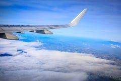 Flyg- sikt av Manila område som sett från flygplanet fotografering för bildbyråer