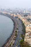 Flyg- sikt av Marine Drive i Mumbai Arkivbilder