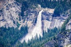 Flyg- sikt av Nevada Fall, Yosemite nationalpark, Kalifornien fotografering för bildbyråer