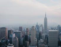 Flyg- sikt av New York horisont och dragningar, USA royaltyfria foton