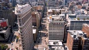 Flyg- sikt av New York, Midtown Manhattan flatiron Residental och affärsbyggnader från över arkivfilmer