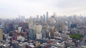 Flyg- sikt av New York, Midtown Manhattan Residental byggnader, gataans-tvärgator från över stock video