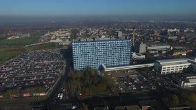 Flyg- sikt av NHS för sjukhus för skrovuniversitetundervisning förtroende lager videofilmer