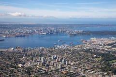 Flyg- sikt av norr Vancouver royaltyfri fotografi