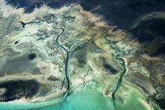 Flyg- sikt av obebodda Bahamas öar Royaltyfri Fotografi