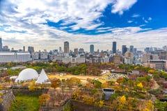 Flyg- sikt av Osaka, Japan Arkivbild