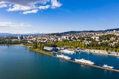 Flyg- sikt av Ouchy strand i Lausanne Schweiz royaltyfria bilder