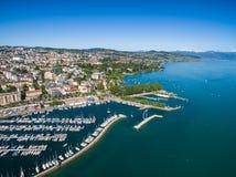 Flyg- sikt av Ouchy strand i Lausanne, Schweiz Royaltyfri Bild
