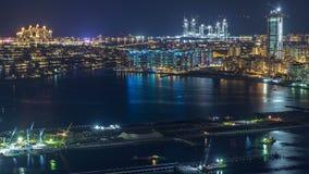 Flyg- sikt av Palm Jumeirah timelapse för önatt stock video