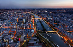 Flyg- sikt av Paris på solnedgången royaltyfri fotografi