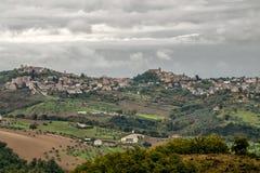 Flyg- sikt av Penne, Pescara, Abruzzo, Italien, Europa royaltyfria foton