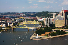 Flyg- sikt av Pittsburghen, Pennsylvania horisont Royaltyfri Fotografi