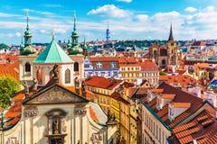 Flyg- sikt av Prague, Tjeckien Royaltyfri Fotografi