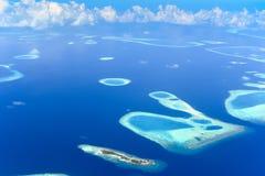 Flyg- sikt av Rafa Atoll Royaltyfri Bild