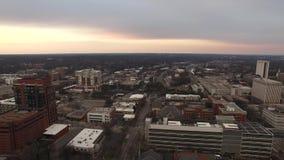 Flyg- sikt av Raleigh Skyline, parkeringsgarage, stock video