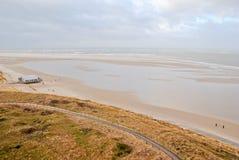 Flyg- sikt av restaurangen på den holländska stranden Royaltyfri Foto