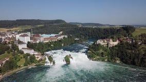 Flyg- sikt av Rhine Falls, Schweiz stock video