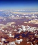 Flyg- sikt av salta sjöar & öknen på Glendambo, Australien Arkivbilder
