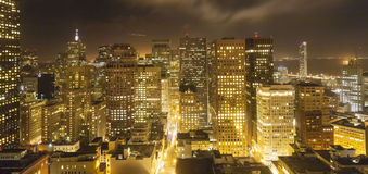 Flyg- sikt av San Francisco vid natt Arkivfoton