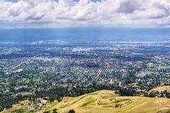 Flyg- sikt av San Jose, hjärtan av Silicon Valley; södra San Francisco Bay område, Kalifornien royaltyfri fotografi