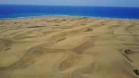 Flyg- sikt av sanddyn i Gran Canaria, Spanien stock video