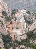 Flyg- sikt av Santa Maria de Montserrat Monastery i Spanien royaltyfria bilder
