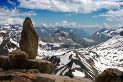 Flyg- sikt av schweiziska Alps i sommar Arkivfoton