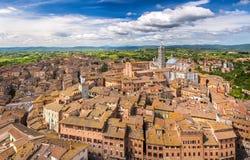 Flyg- sikt av Siena Arkivbilder