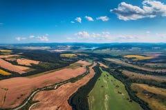Flyg- sikt av skördfältet Arkivfoto