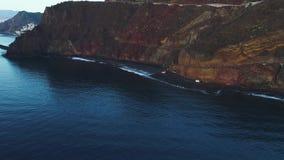 Flyg- sikt av skeppet på soluppgång stock video