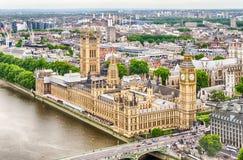 Flyg- sikt av slotten av Westminster, hus av parlamentet, Royaltyfri Bild