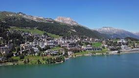 Flyg- sikt av St Moritz, Schweiz stock video