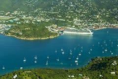 Flyg- sikt av St Thomas, U S jungfruliga öar Royaltyfri Bild