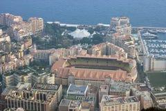 Flyg- sikt av Stade Louis II och Fontvieille i Monaco Arkivfoton
