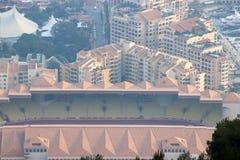 Flyg- sikt av Stade Louis II och Fontvieille i Monaco Arkivfoto