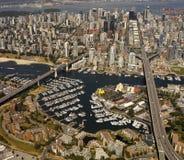 Flyg- sikt av staden av Vancouver - Kanada Arkivbilder