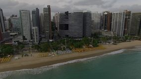 Flyg- sikt av staden av Fortaleza, Ceara tillstånd, Brasilien lager videofilmer