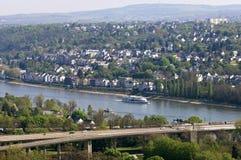 Flyg- sikt av staden Koblenz och flodRhen Arkivbild