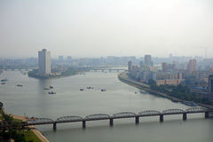 Flyg- sikt av staden, Pyongyang, Nordkorea Arkivbild