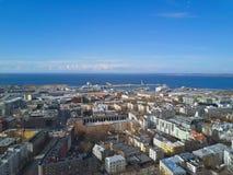 Flyg- sikt av staden Tallinn Estland Royaltyfri Foto