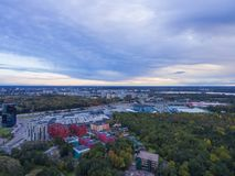 Flyg- sikt av staden Tallinn, Estland område Oismae-Kakumae, in Royaltyfria Foton