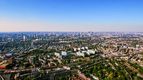 Flyg- sikt av stads- bostadsområde i den London staden Royaltyfria Foton