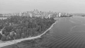 Flyg- sikt av Stanley Park och Vancouver horisont, Kanada Arkivbild