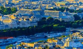 Flyg- sikt av storslagna Palais från Eiffelen Towe Arkivfoto